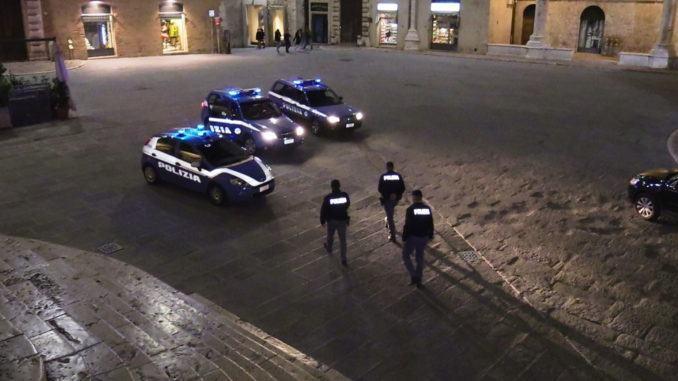 Polizia in centro storico a Perugia