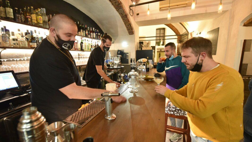 L'interno di un bar di Perugia