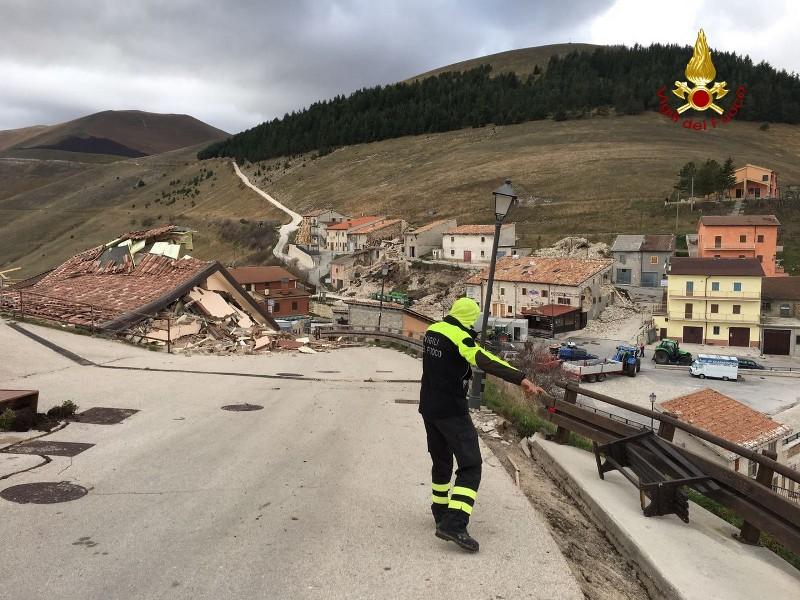 Castelluccio di Norcia dopo il sisma