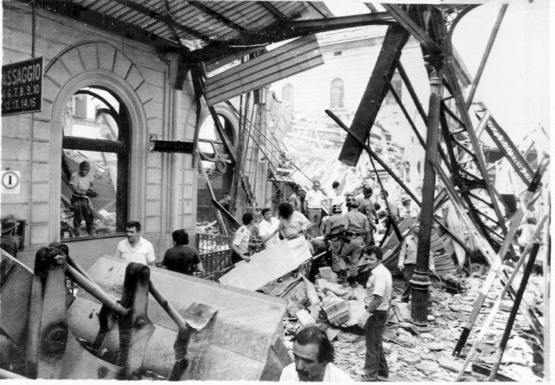 La stazione di Bologna dopo l'attentato